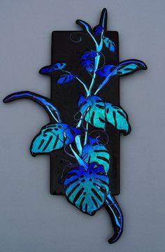 Laurel Yourkowski Studio Glass Wall Art, Fused Glass Art, Glass Flowers, Glass Birds, Stained Glass Paint, Art And Craft Design, Modern Glass, Wall Sculptures, Oeuvre D'art
