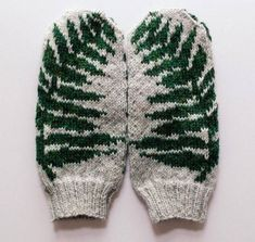 Want to knit these mittens for yourself? Heres the pattern for purchase. These simple and elegant fern mittens offer a touch of natural coziness in the midst of a cold season. For those of us who like to be surrounded by green plant life all year round, Knitted Mittens Pattern, Knit Mittens, Mitten Gloves, Fingerless Mittens, Knitting Charts, Knitting Patterns, Crochet Patterns, Free Knitting, Hat Patterns
