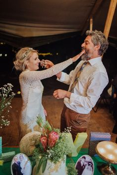 Bride and groom cutting the wedding cake | fabmood.com #weddingreception #wedding