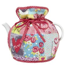 Vintage Kitchen Muff Tea Cosy by Ulster Weavers. A beautiful patchwork design tea cosy to keep your tea toasty. Bakery Kitchen, Kitchen Tops, Kitchen Ideas, Kitchen Decor, Perfect Cup Of Tea, Buy Tea, Tea Cozy, Red And Teal, Shabby Chic Interiors