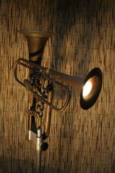 More musical instrument repurposing: Lighting. (via Tommaso Guerra)
