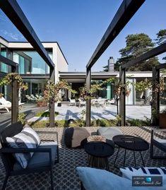Beautifully designed property in Sweden by Johan Sundberg: Villa J - Decoration Ideas Villa, Modern Exterior, Interior And Exterior, Interior Design, Outdoor Spaces, Outdoor Living, Outdoor Retreat, Open House Plans, House Doors