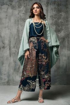 Designer Dresses - Maxi Party & More - Women Pakistani Dress Design, Pakistani Outfits, Indian Outfits, Pakistani Fashion Casual, Asian Fashion, Boho Fashion, Fashion Dresses, Fashion Ideas, Stylish Dresses