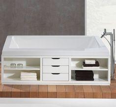freistehende Badewanne mit Möbelunterbau