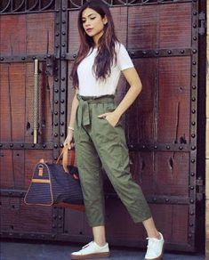 6 easy weekend outfits that still look chic Girls Fashion Clothes, Teen Fashion Outfits, Casual Fall Outfits, Look Fashion, Fashion Pants, Stylish Outfits, Clothes For Women, Fashion Dresses, Fasion