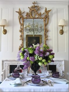 Hydrangea-Lilacs-on-table Carolyne Roehm - here we have the green/lilac w/ white color scheme....so fresh and summery!