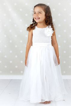 Dress White Party Gold Ideas For 2019 Gold Party Dress, Gold Dress, White Dress, Sequin Flower Girl Dress, Sequin Dress, Flower Girl Dresses, Trendy Dresses, Nice Dresses, Formal Dresses