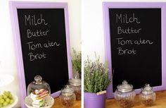 #DIY Gerahmte Tafel - eignet sich wunderbar, um die nächste Einkaufsliste aufzuschreiben oder um seinen Mitbewohnern liebe Botschaften zu hinterlassen.