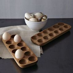 Reuseable Egg Crates--for those who have chickens ( they could be made by your woodworker guy for you ;)Reuseable Egg Crates--for those who have chickens ( they could be made by your woodworker guy for you ; Wooden Kitchen, Kitchen Decor, Kitchen Modern, Kitchen Ideas, Wood Projects, Woodworking Projects, Woodworking Shop, Woodworking Chisels, Unique Woodworking