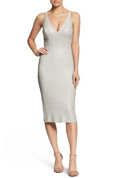 White sequin cocktail dress with v-neck. (Affiliate link) Perfect for a beach bride, city hall wedding, rehearsal dinner dress, engagement party dress, or to wear as the bride to be. Sequin Midi Dress, Sequin Cocktail Dress, Cocktail Dresses, Diamond Wedding Dress, Dress Wedding, Rehearsal Dinner Dresses, Wedding Rehearsal, Rehearsal Dinners, Engagement Party Dresses