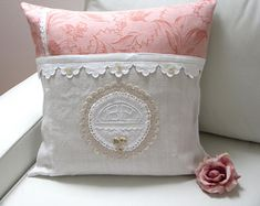 Shabby Chic Zimmer, Shabby Chic Stil, Shabby Vintage, Christmas Pillow Covers, Fabric Hearts, Decorative Cushions, Linen Pillows, Crochet Motif, Antiques