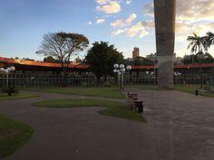 Praça no centro da Rodoviária de Londrina no Paraná