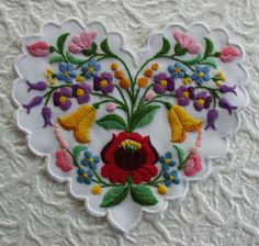 Hungary - Kalocsa - embroidered heart with Tambour Embroidery, Folk Embroidery, Learn Embroidery, Embroidery Fashion, Hand Embroidery Designs, Cross Stitch Embroidery, Embroidery Patterns, Machine Embroidery, Polish Embroidery