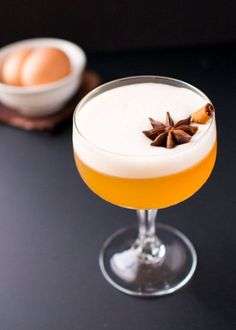 This Chai Tea-infused Whiskey Sour is the perfect Fall cocktail to warm you up!