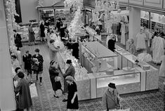 """AARON FRANK CALLED IT """"THE FLOOR"""" Meier & Frank Co downtown. One of the greatest department stores in America.   Today? A faceless Macy's"""
