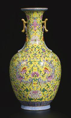 Rose Vase, Flower Vases, Porcelain Ceramics, Ceramic Art, Porcelain Tiles, Porcelain Jewelry, Painted Porcelain, Fine Porcelain, Chinoiserie