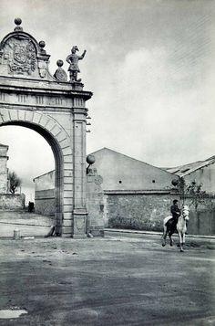 Baroque door in Segovia, Spain, 1950s photo by Henri Cartier-Bresson