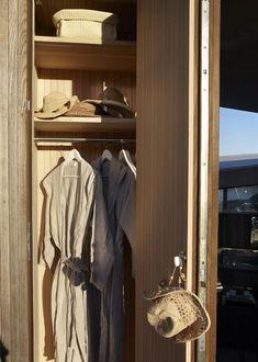 Kristiansand Summer House | Heiberg Cummings Kristiansand, Cliff House, Coastal Style, Cottage, Cabin, Bathroom, Design, Closet, Home Decor