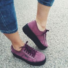 La opción más acertada para este otoño-invierno... las #zapatillas plataforma de Victoria. LoVe!