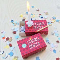 Mini-Geschenkidee Lieblingsmensch von Sinnwert jetzt im design3000.de Shop kaufen! Die Mini-Geschenkidee ist die perfekte kleine Aufmerksamkeit. Sie...