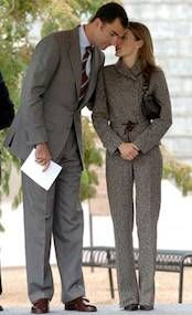 El estilo de la Princesa de Asturias en su viaje a Estados Unidos - Foto 13 Queen Rania, Queen Letizia, Fashion Idol, Fashion Outfits, Womens Fashion, Love Her Style, Mom Style, Estilo Real, Spanish Royal Family