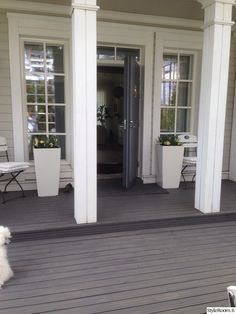 sisäänkäynti,ulko-ovi,terassi,valkoinen,harmaa Future House, Entrance, Outdoor Living, House Ideas, Home And Garden, Interiors, Windows, Decoration, Home Decor