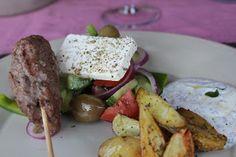 Tonjes favoritter: Tyrkiske køfte med mynte dip og gresk salat