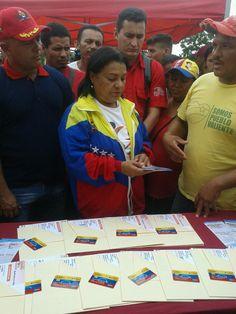 @HogarDeLaPatria : Con la tarjeta de débito las familias censadas en la GM #HogaresDeLaPatria recibirán un apoyo económico de 14.500 bolívares mensuales
