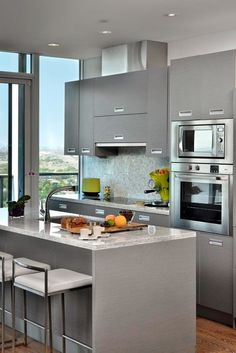 43 Extremely creative small kitchen design ideas This stunning urban kitchen in Toronto, Ontario, is a cool Ikea design that transforms a kitchen into aesthetically pleasing yet functional design. Small Apartment Kitchen, Small Kitchens, Home Kitchens, Condo Kitchen, Modern Kitchens, Grey Kitchens, Small Condo, Luxury Kitchens, Modern Kitchen Design