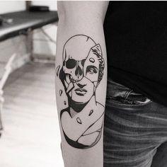 """1,311 curtidas, 2 comentários - ➕BLACKWORKERS_TATTOO➕ (@blackworkers_tattoo) no Instagram: """"Tattoo by @welfaredentist #blackworkers #blackworkers_tattoo #tattoo #bw #blackwork #blacktattoo"""""""