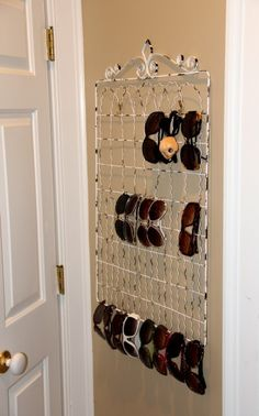 perfect way to organize our massive sunglasses collection. Can you guess which… Sunglasses Organizer, Sunglasses Storage, Sunglasses Holder, Sunglasses Sale, Closet Organization, Jewelry Organization, Diy Deco Rangement, Ideas Para Organizar, My New Room