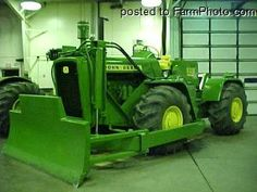 JOHN DEERE 8020 FWD does any one want to buy this for me????????????????????   PLEASE