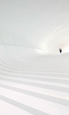 Zaha Hadid Architects, Hufton + Crow, Hélène Binet · Heydar Aliyev Center ·…