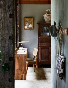 Clinical naturopath and herbalist Lisa Hodge shares her idyllic regional rental property. Workspace Inspiration, Interior Inspiration, Home And Living, Home And Family, Macedon Ranges, Melbourne House, Architecture Awards, Home Organisation, Building A New Home