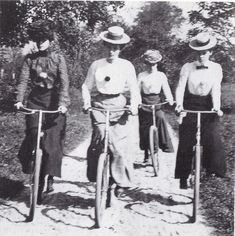 1902 - women on bycicle