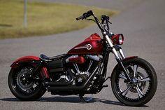 Harley Davidson News – Harley Davidson Bike Pics Harley Dyna, Harley Bobber, Harley Bikes, Bobber Motorcycle, Motorcycle Garage, Harley Wheels, Bobber Bikes, Girl Motorcycle, Motorcycle Quotes