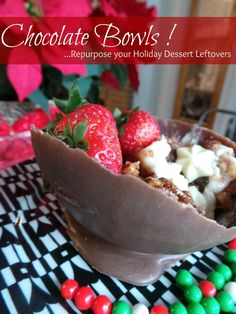 How to Make Chocolate Bowls Chocolate Cups, a Wonderful Christmas Treat (Diy Christmas Treats) Chocolate Bowls, Chocolate Recipes, Holiday Desserts, Holiday Recipes, French Desserts, Christmas Recipes, Nutella, Cupcake Recipes, Dessert Recipes