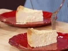 The Cake Boss' Mouth-Watering Ricotta Cheesecake Recipe - Everybody Loves Tuscany Ricotta Cheese Cake Recipes, Italian Ricotta Cheesecake, Ricotta Cake, No Bake Desserts, Just Desserts, Delicious Desserts, Dessert Recipes, Italian Desserts, Yummy Drinks