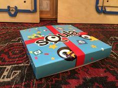 Langsnaad verlijmd doosje full color bedrukt in opdracht van Squla.