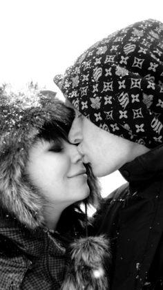 """""""Kocha się za nic... nie istnieje żaden powód do miłości"""" :)"""