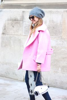 Threads Styling - Street Style - #outfitinspiration #outfit #fashionweek #fashion #style #pink #fun #casualstyle