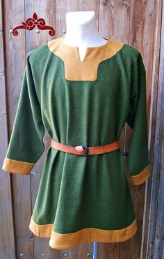 Tunika aus grüner und gelber Wolle. Wikinger, Merowinger. Tunic made of green and yellow wool. Vikings, Merovingians