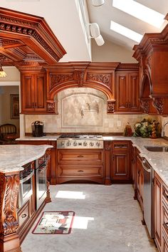 We design and manufacture amazing objects that give life and category to your home. Bring the best of WL Kitchen & Home to your life. Kitchen Pantry Design, Luxury Kitchen Design, Best Kitchen Designs, Home Decor Kitchen, Interior Design Kitchen, Classic Kitchen Cabinets, Kitchen Cabinet Styles, Elegant Kitchens, Luxury Kitchens