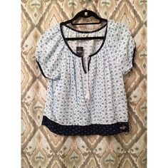 Blue Hollister top This comfy shirt NWT. Very boho style Hollister Tops Tees - Short Sleeve