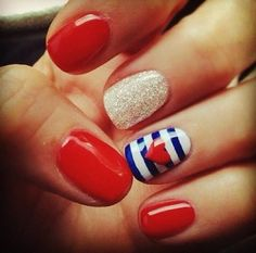 Chose glossy sailor inspired nails for the 4th.