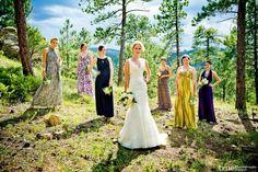 Rustic wedding: Bride with bridesmaids