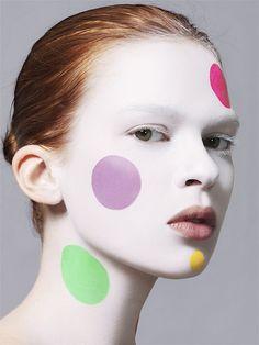 Colorful circles makeup