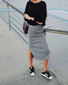 Myfavoritehello com skirt and sneakers casual chic skirt and tee casual dress Mode Outfits, Fall Outfits, Casual Outfits, Fashion Outfits, Casual Wear, Womens Fashion, Dress Fashion, Rock Chic Outfits, Trendy Fashion