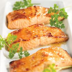 The Bikini Baker: Get Your Glow On Glazed Salmon