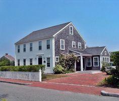 Comfort on Nantucket: Spacious 3 BR Naushop home